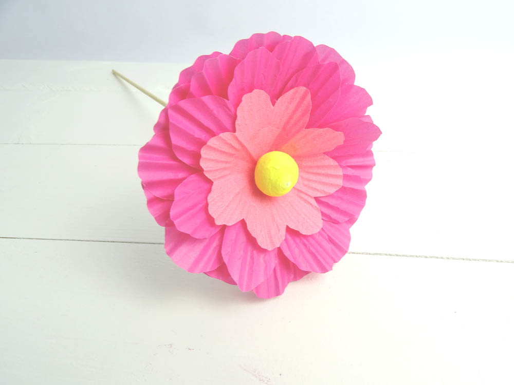 Papierblume aus Muffinförmchen