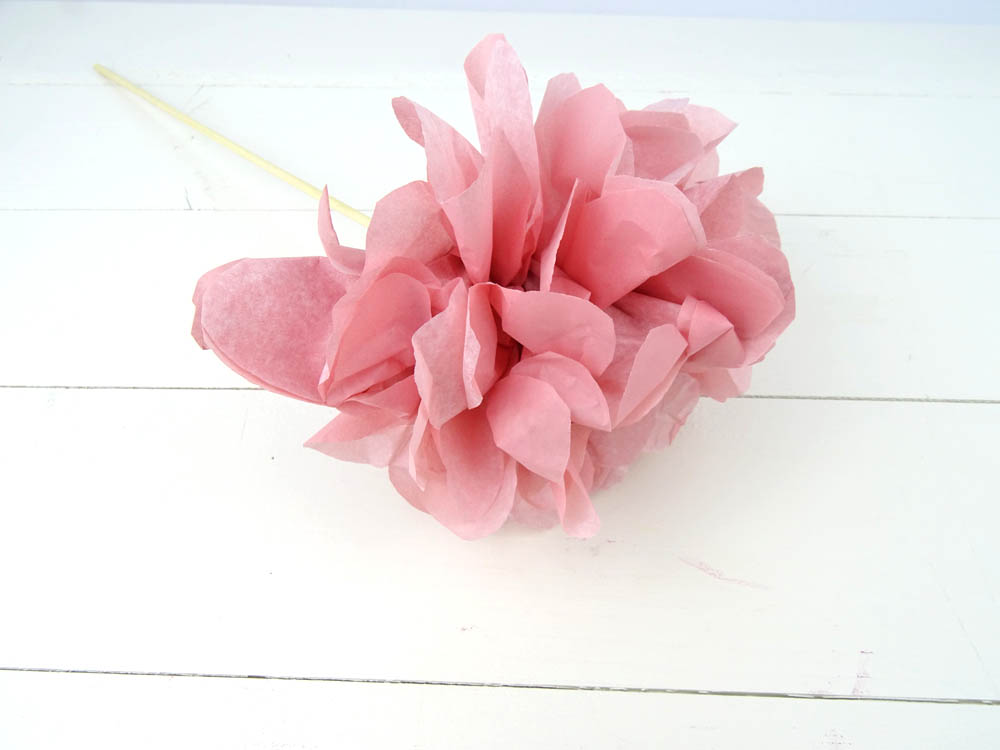 Papierblume aus Seidenpapier