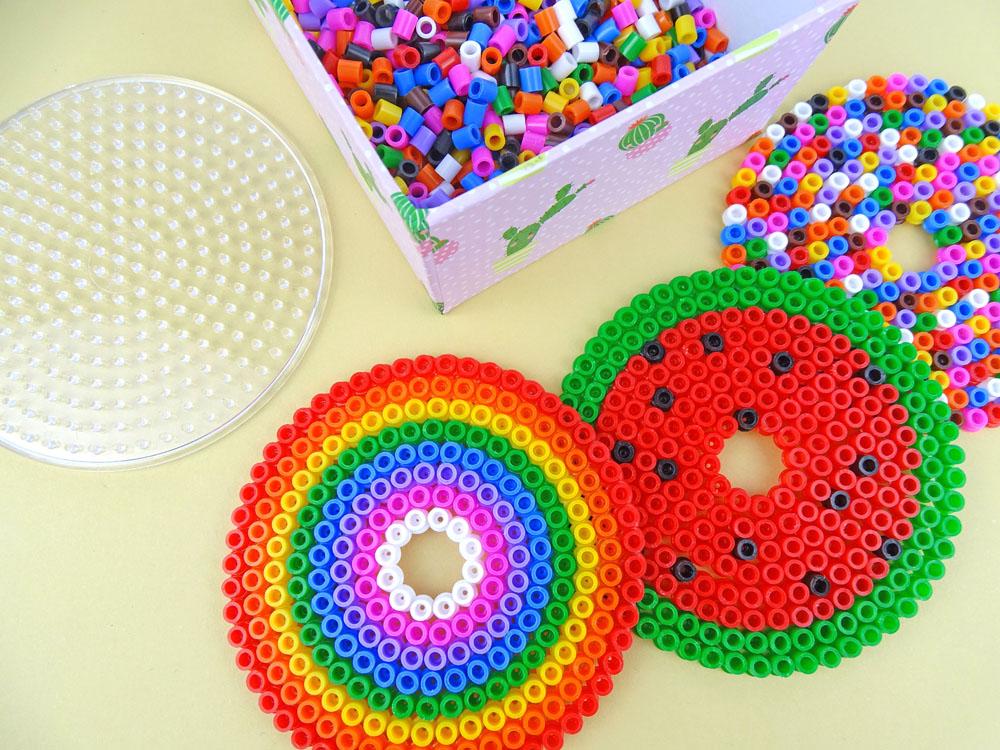 Glasabdeckung aus Bügelperlen mit Kindern basteln DIY