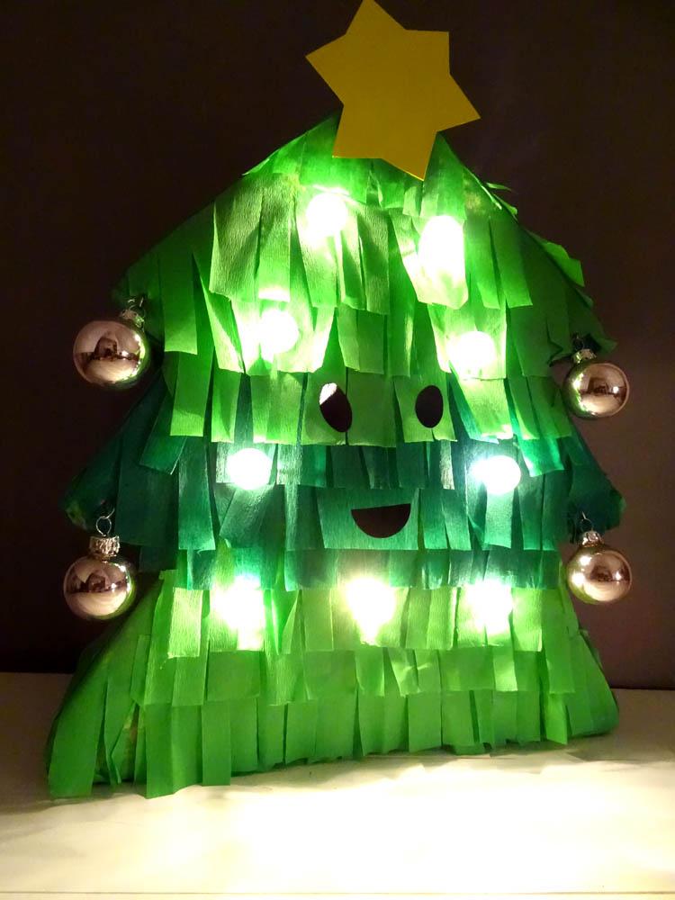 Tannenbaum Lampe basteln mit Kindern