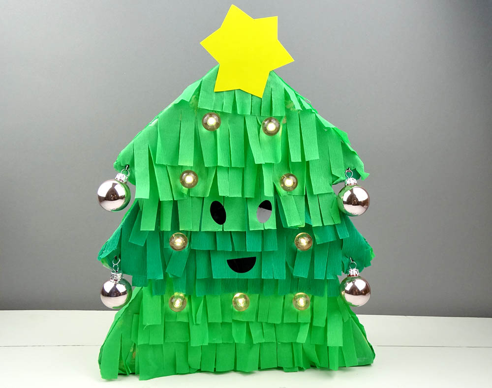 Kommt wir basteln eine tannenbaum lampe dezentpink diy ideen f r kinder - Lampe kinderzimmer basteln ...