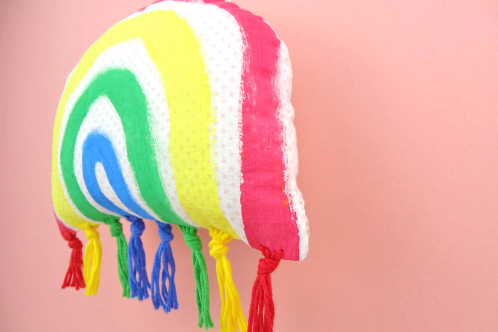 DIY Ideen Regenbogen Wanddeko